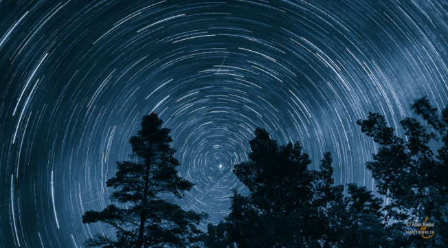 """the center star is Polaris, the """"north star.""""  credit: http://nightvisions.ca/2012/07/polaris/"""